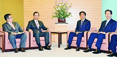 熊本地震 命と健康を守る緊急対策を/志位委員長が安倍首相と党首会談