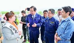 あべ広美弁護士が法律相談/熊本・益城町の避難所 志位氏らが激励
