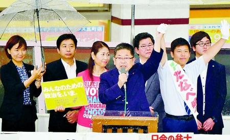憲法守るたなべ統一候補勝利を/高松 小池書記局長が野党代表と訴え
