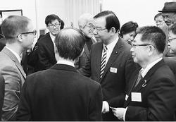 日本共産党第27回大会/大会出席の各国大使らと党指導部が懇談