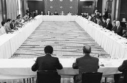 「法の支配」の破壊許さないたたかいを/日弁連・弁政連と共産党懇談