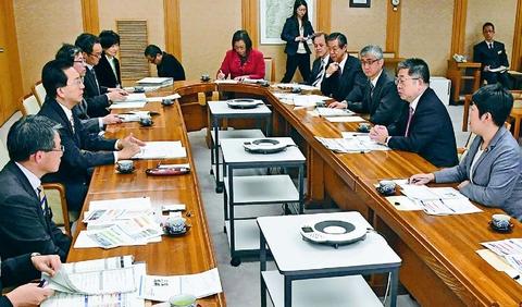 東日本大震災 来月8年/小池書記局長 岩手知事らと懇談/国は教訓生かして 復興へ施策続けて