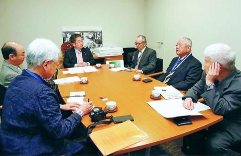 全国首長「9条の会」結成へ/小池書記局長が協力約束