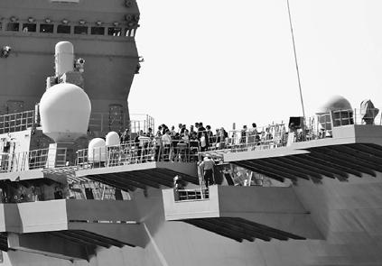 トランプ米大統領あす来日/「いずも」型乗艦 F35爆買い誓約の場に ...