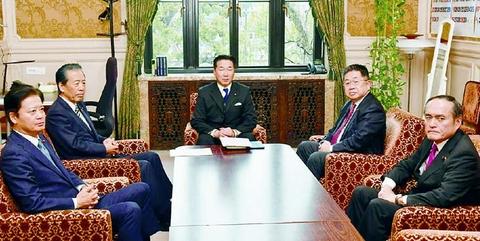 補償軸の緊急経済対策を 野党書記局長・幹事長会談で確認