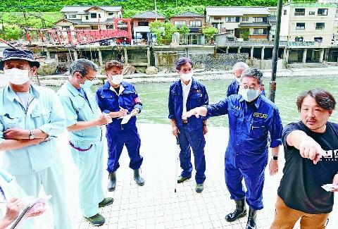 コロナ補償含め直接支援へ全力  豪雨の大分・福岡訪ね小池書記局長