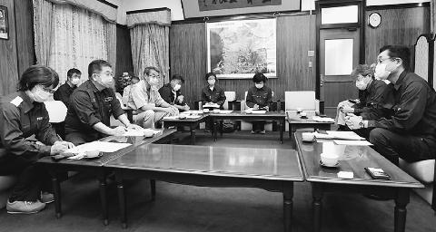 従来の支援にとどまらない対策を  小池書記局長と大牟田市長懇談