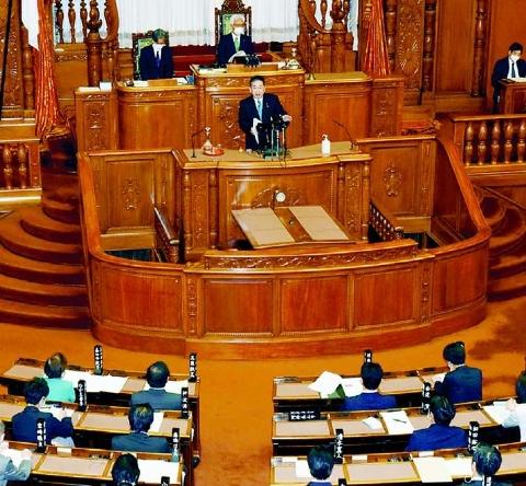 国民の願い実現する政治を 国政の焦点課題 首相に迫る 小池書記局長の代表質問