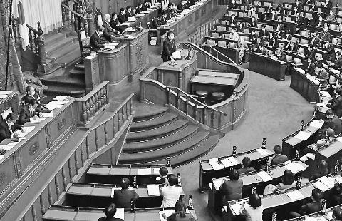 命と健康守る政治責任果たせ 参院本会議 小池書記局長の代表質問