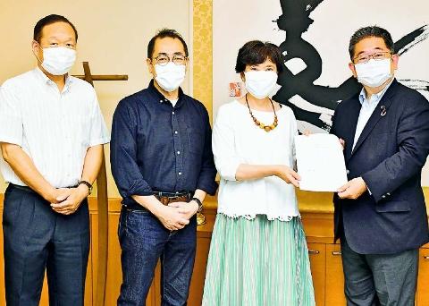 野党共闘で要求実現の政権を 全労連が小池書記局長に要請