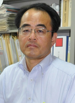 吉永純教授.jpg