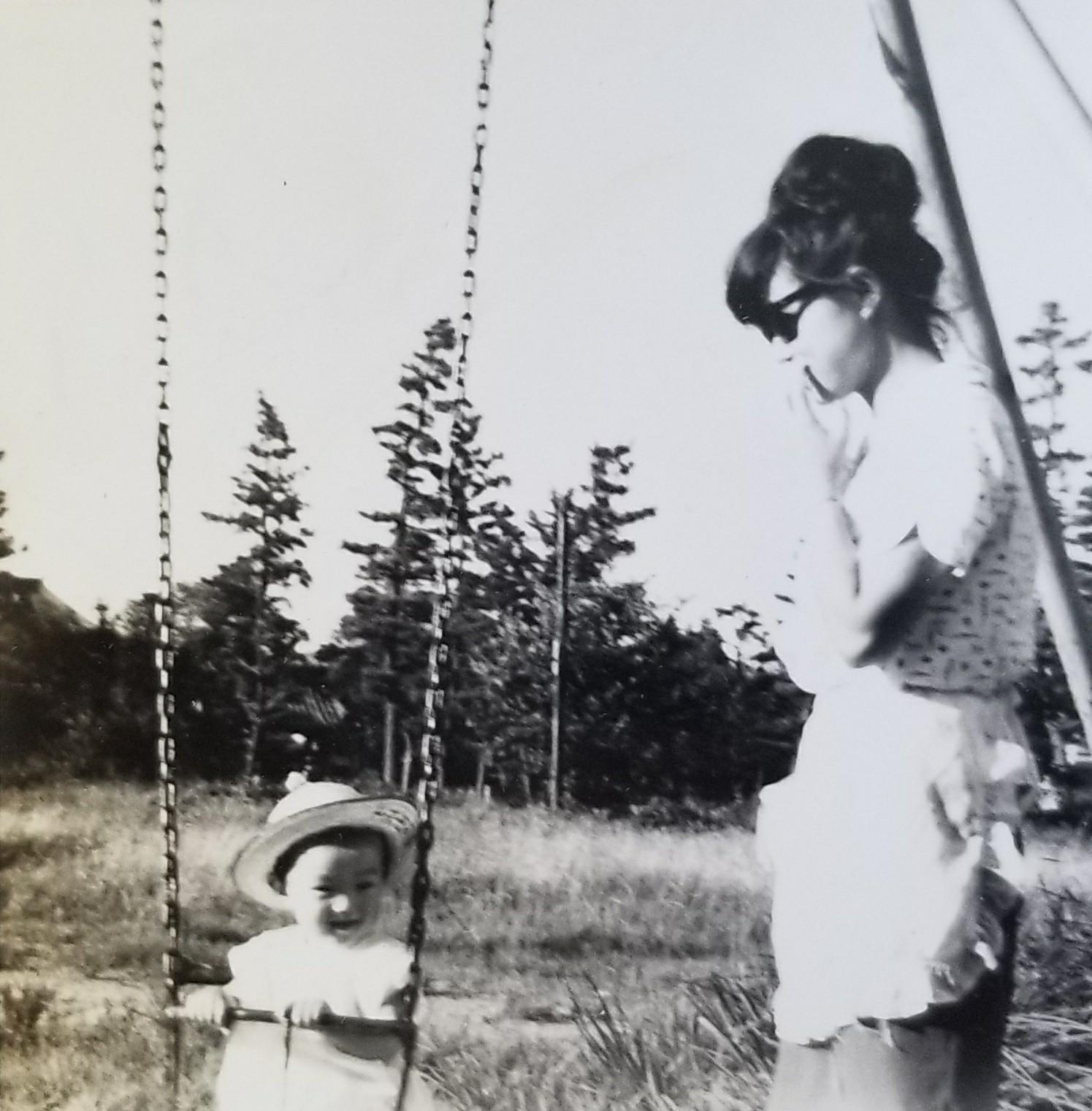 お母さんと幼少期の梅村さん